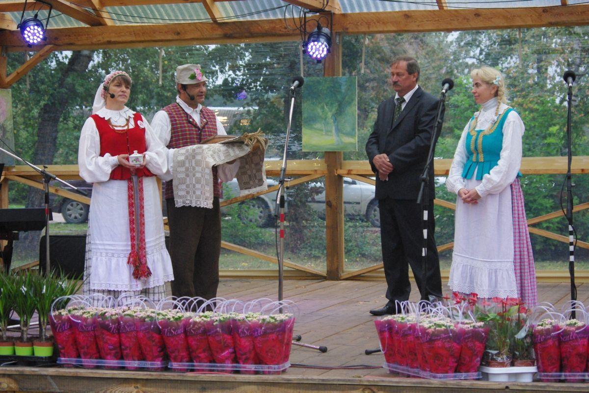 Duonos ir medaus šventės atidarymas
