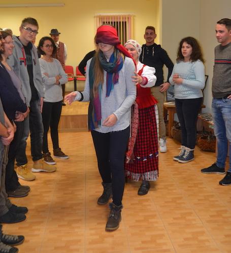 """Programa """"Lietuvių liaudies kalendorinių švenčių dainavimo tradicijos"""""""